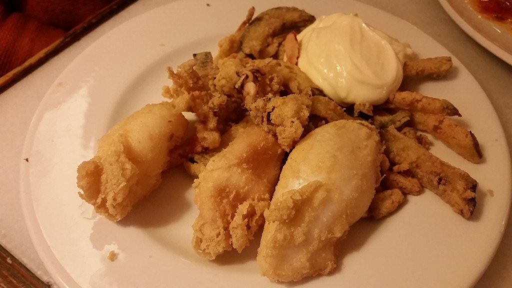Fried squid with aioli.